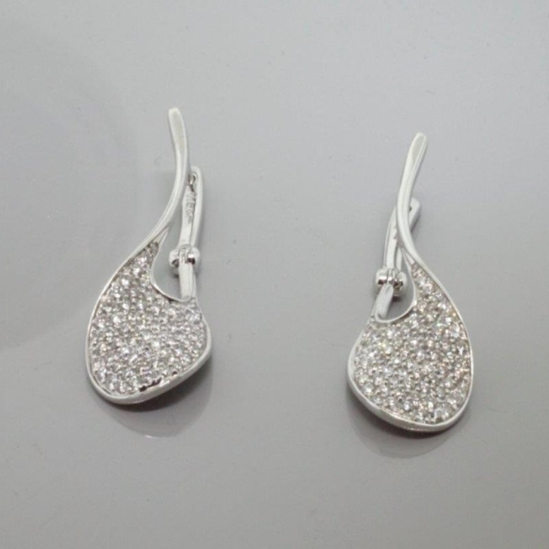 Antony Jewelers Wave shape diamond earrings