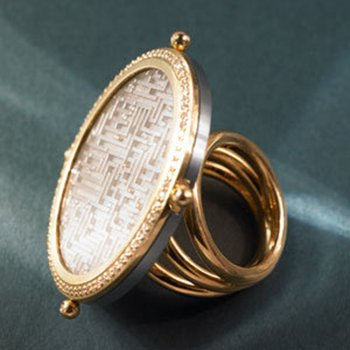 Contemporary style fashion ring