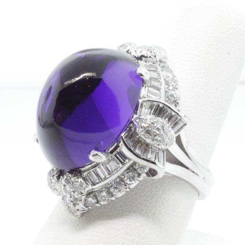 Antony Jewelers Finely detailed fashion ring with diamonds and amethyst