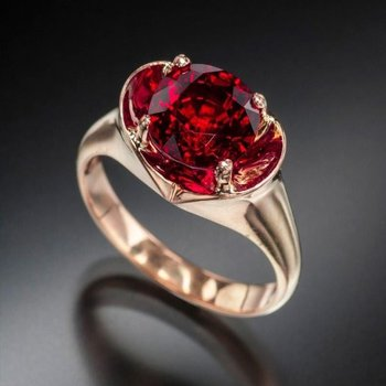 Fashion ring with pigeon blood ruby