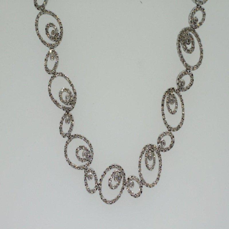 Antony Jewelers Uniquely set necklace with diamonds