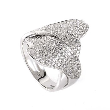 Swirly design fashion ring with diamonds