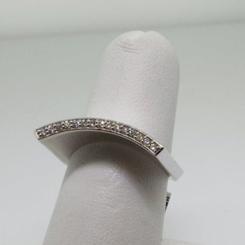 Unusually shaped fashion ring