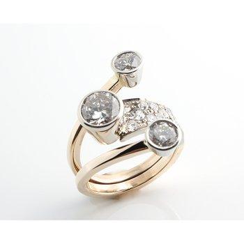 Assymetrical diamond fashion ring