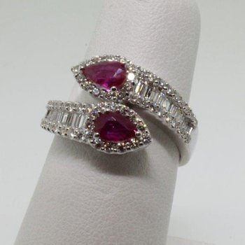 """Snake style"" fashion ring with diamonds and rubies"