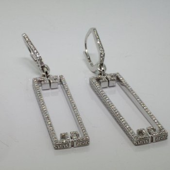 Sparkling geometrical earrings