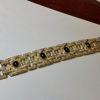 Antique style gold bracelet with star sapphires and diamonds