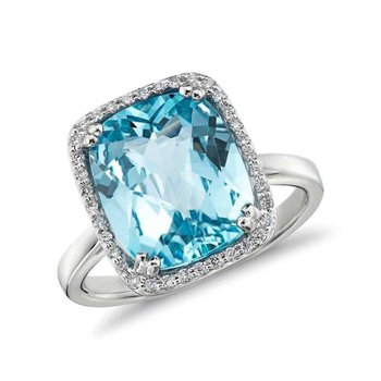 Fashion ring with blue topaz