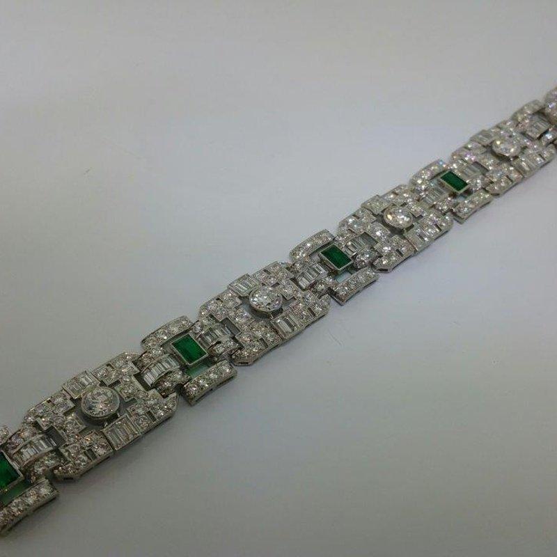 Antony Jewelers Geometrical bracelet with emeralds and diamons