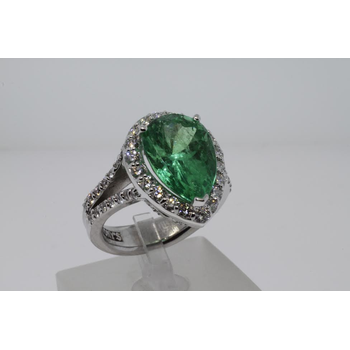 Pear shaped Emerald Diamong Engagement Ring