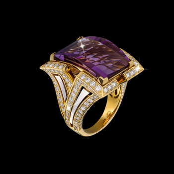 Glamorous cocktail ring with amethyst stone