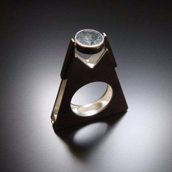 Amazingly designed fashion ring