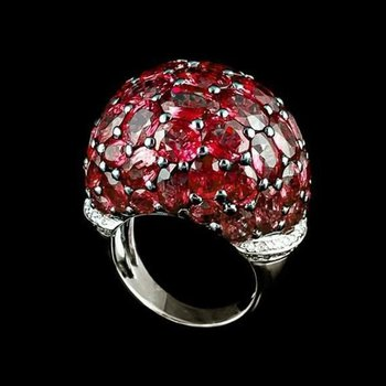 Cocktail ring with rubies