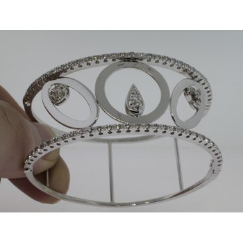 Geometrical Unique  Diamond Bangle with Round and Ovals Shape Form