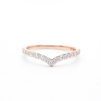 Rose Gold V-Shaped Diamond Ring