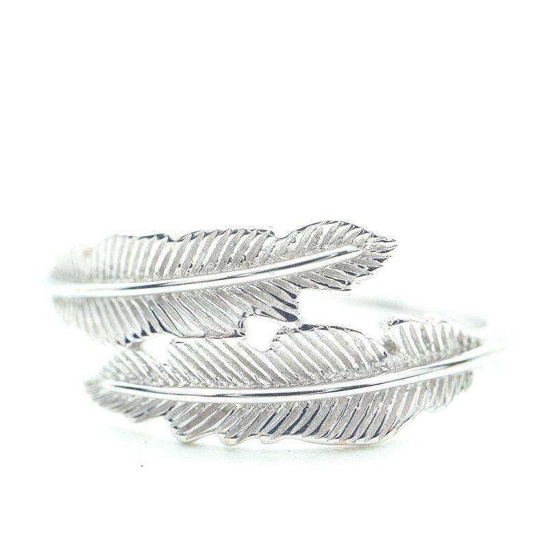Richardson Signature Feather Ring