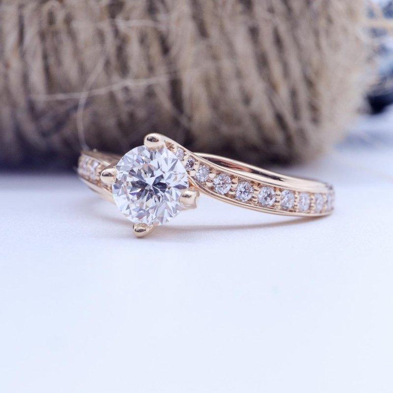 Maple Leaf Diamonds Rose Gold Engagement Ring