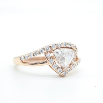 Trillion-Cut Diamond Ring