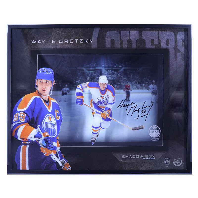 """RJ Sports """"Center Ice"""" Wayne Gretzky"""