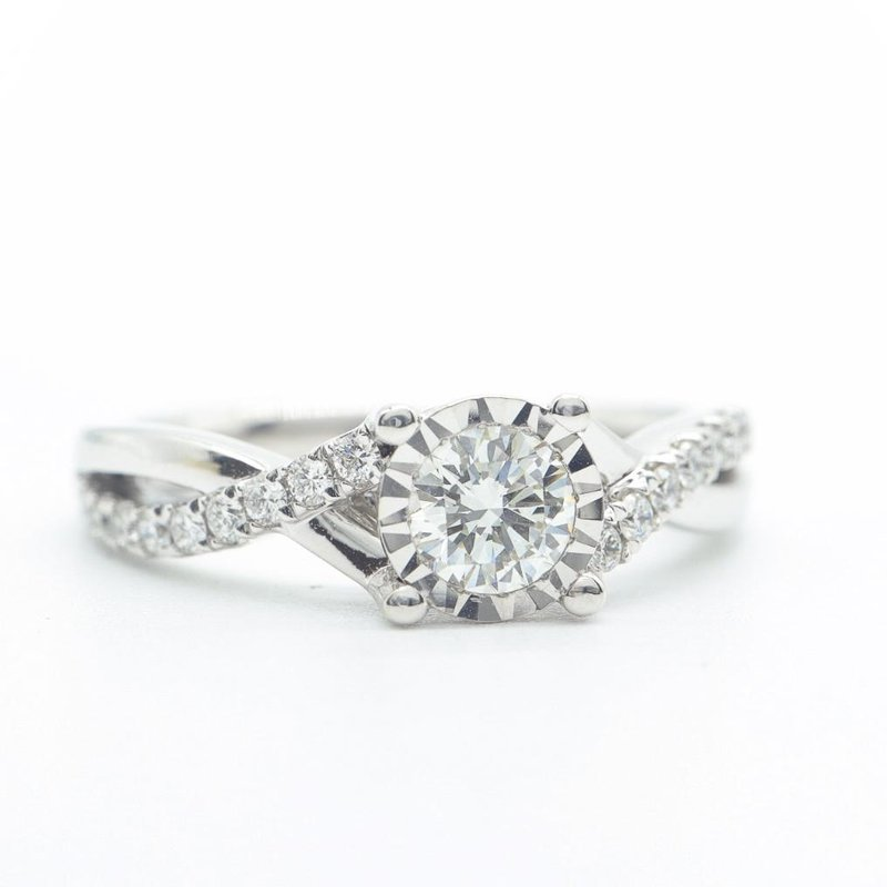 Maple Leaf Diamonds White Gold Twisted Band Ring