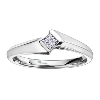 Princess-Cut Diamond Promis Ring