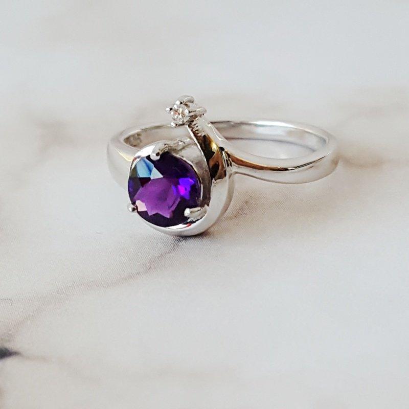 Arizona Amethyst™ Silver Jewelry Shooting Star Ring