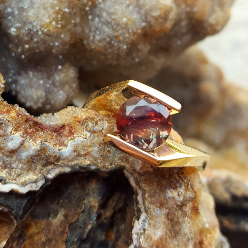 American Gem Collection™ Red Moon