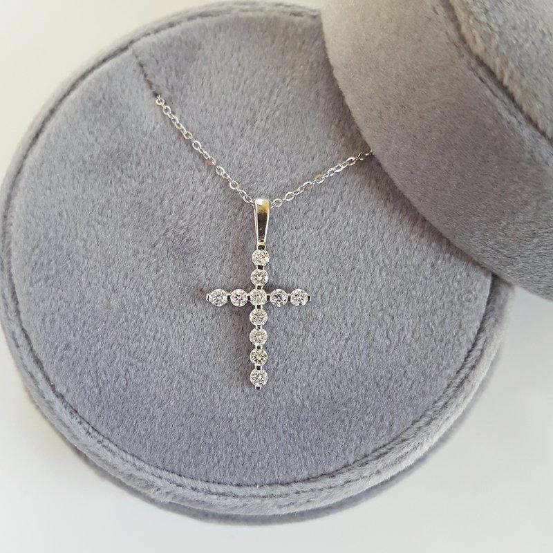 Gems One Diamond Classic Cross Pendant in 14k White Gold (1/3 ctw)