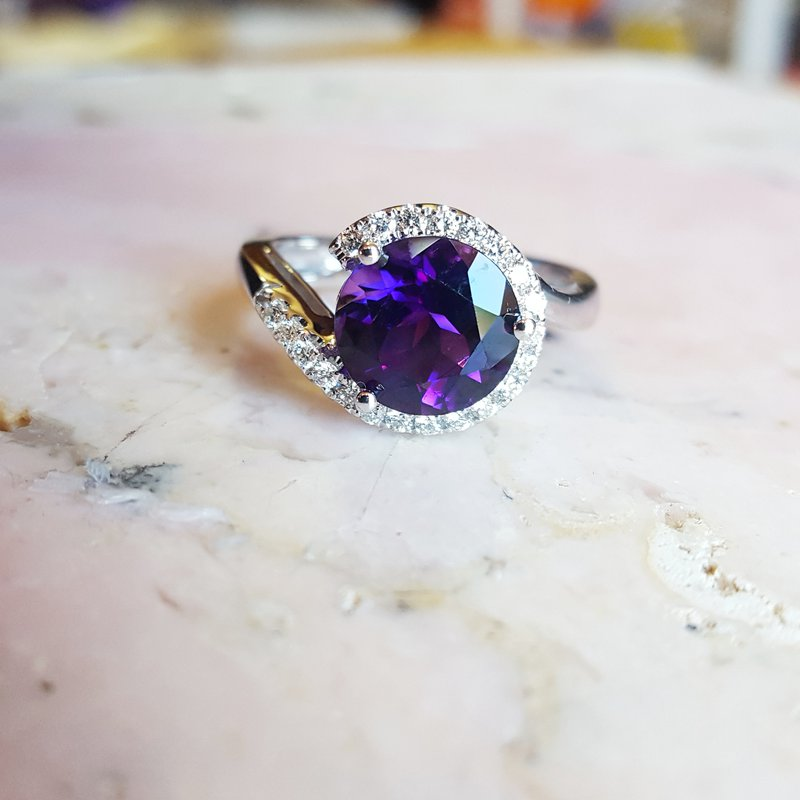 Arizona Amethyst™ Gold Jewelry Round Amethyst Ring