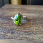 Arizona Peridot Gold Jewelry Pear Cut Peridot Ring