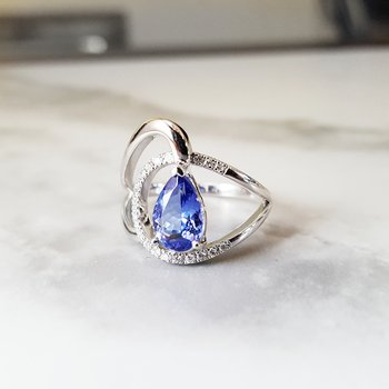 Tanzanite Swoop Ring