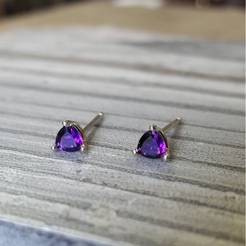Arizona Amethyst™ Gold Jewelry Essential 1/3CT Trillion Studs