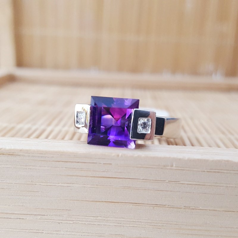 Arizona Amethyst™ Gold Jewelry Architecture Ring