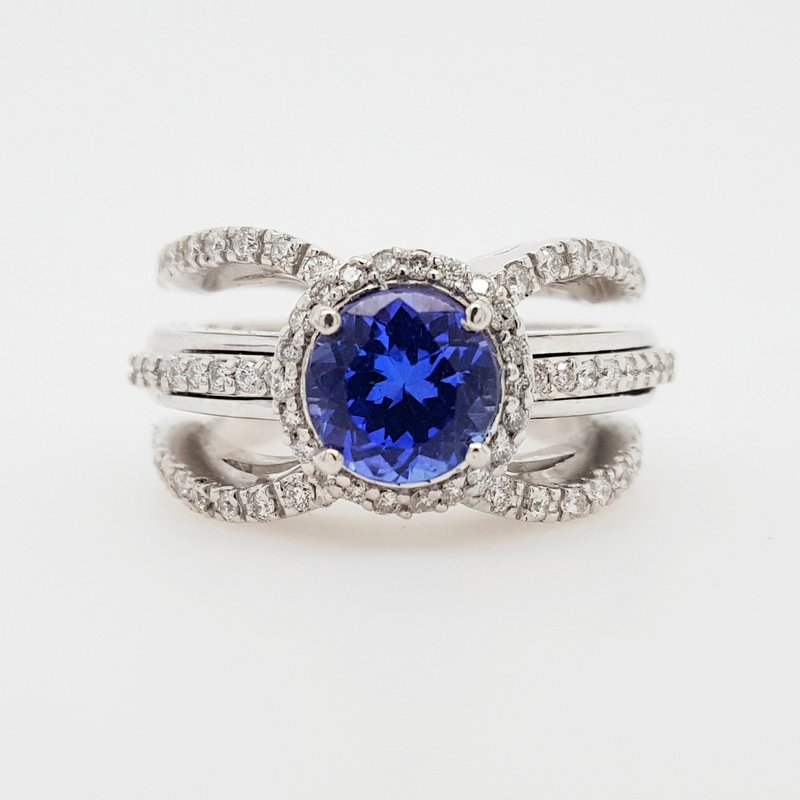 Luxury by Rene Hernandez Tanzanite Trio Shank Ring