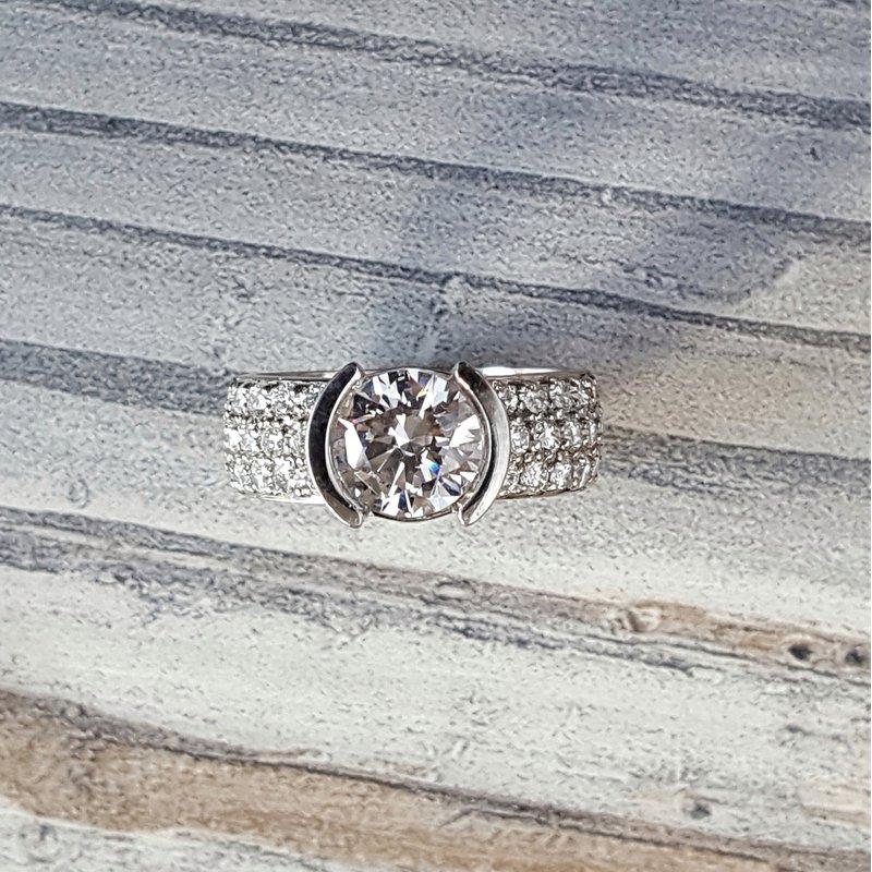 Sami Fine Jewelry Luna