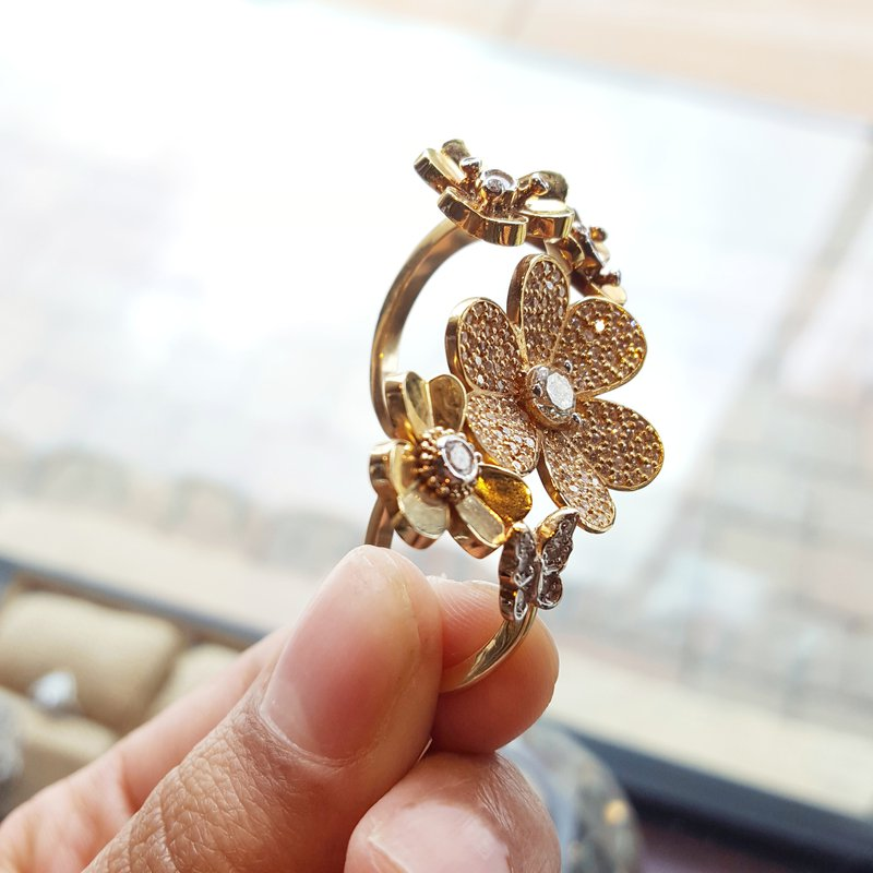 Luxury by Rene Hernandez Floral Double Finger Ring