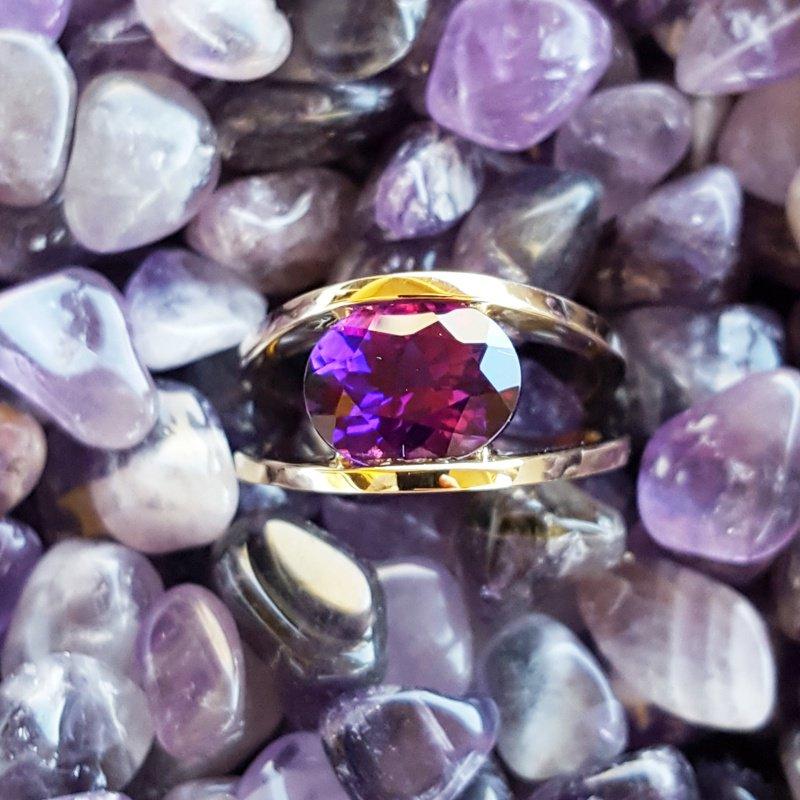 Arizona Amethyst™ Gold Jewelry Oval Split Shank Ring