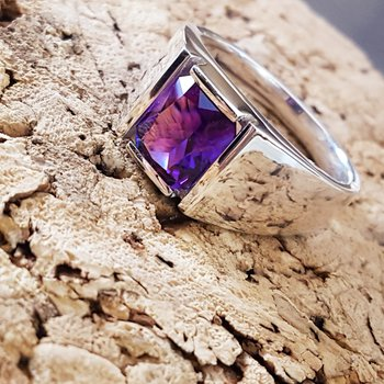 Mens Amethyst Ring