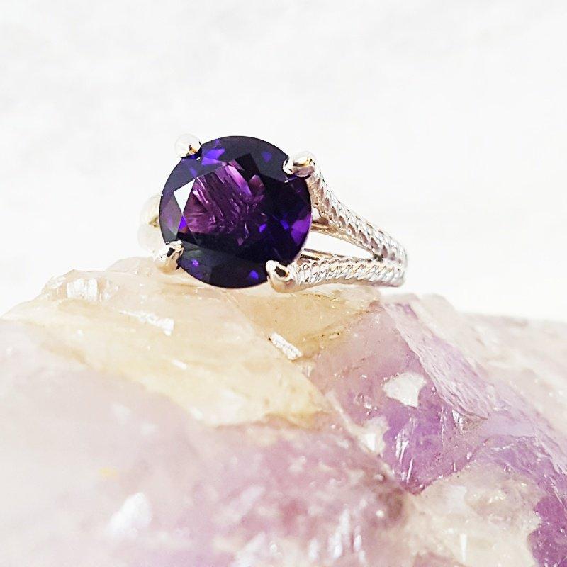 Arizona Amethyst™ Gold Jewelry Twisted Ring