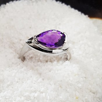 Pear Shape Amethyst Ring