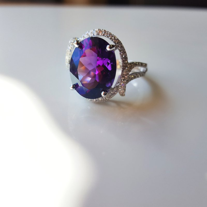 Arizona Amethyst™ Gold Jewelry Intricate Oval Ring