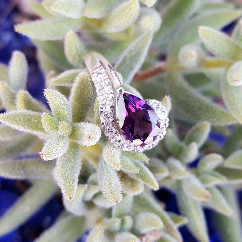 Arizona Amethyst™ Gold Jewelry East West Ring