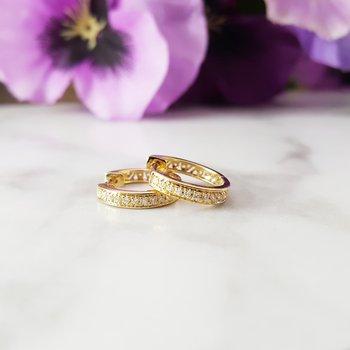 Diamond Slim Hoop Earrings in 14 Yellow Gold (1/10ctw)