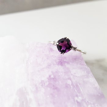 Double Prong Cushion Cut Ring