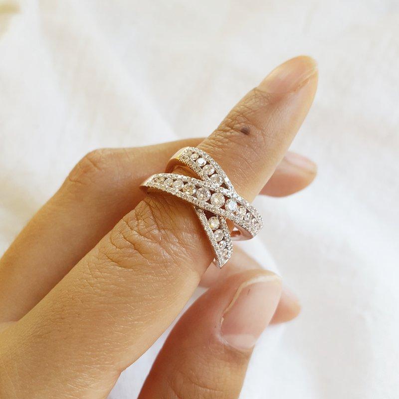 Sami Fine Jewelry Criss Cross Statement Ring