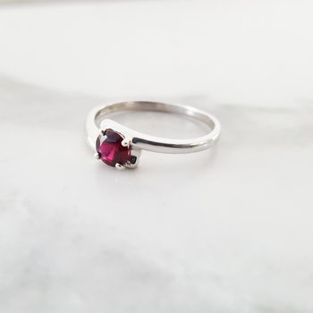 Petite Offset Ring