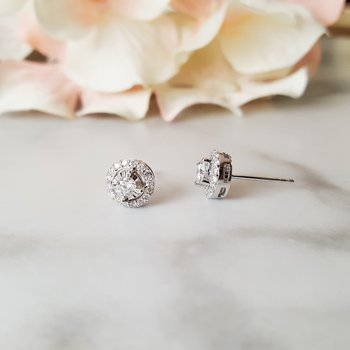 True Reflections Halo Studs