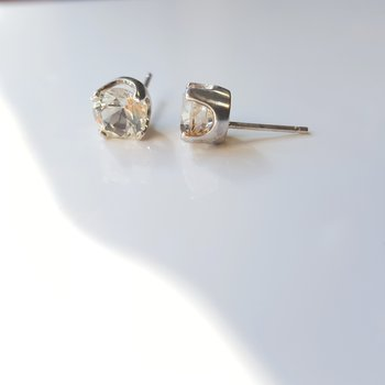 Yellow Oregon Sunstone Studs