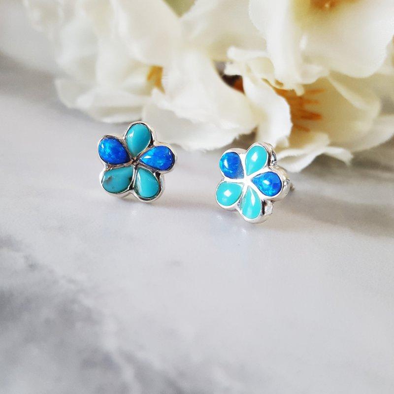 Arizona Turquoise and Inlaid Jewelry Petite Turquoise Flower Studs