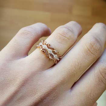 Diamond Luxe Vintage Ribbon Ring in Gold (1/6ctw)